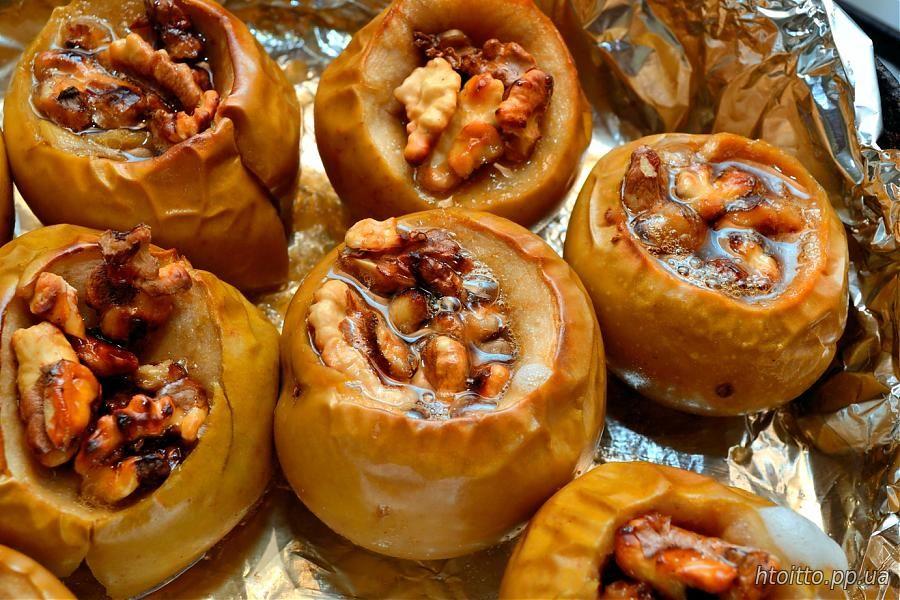 Как запечь яблоки с орехами и медом в духовке рецепт с пошагово в